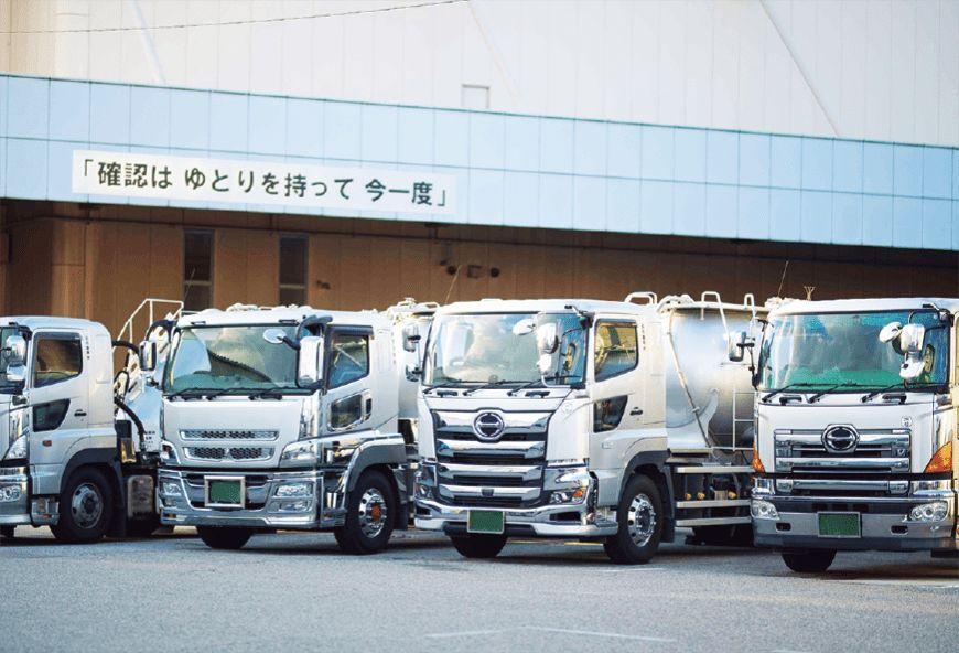 大型セメントタンク車